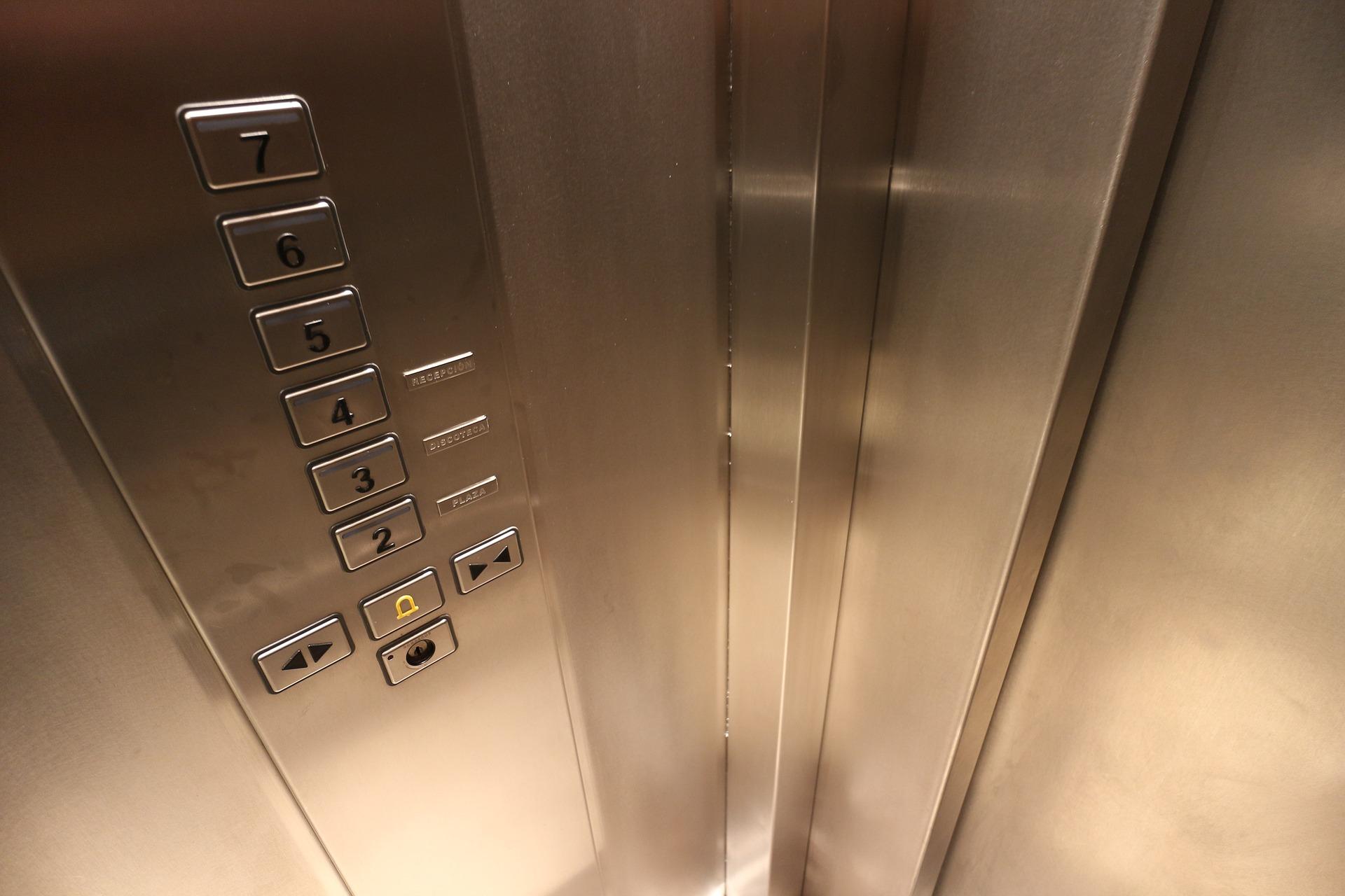 Empresa de instalação de elevadores